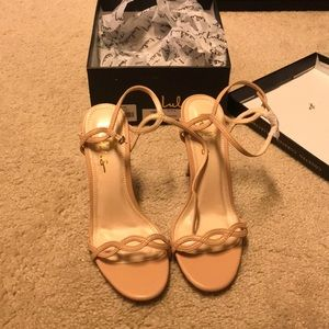 Brand new size 7 nude heel